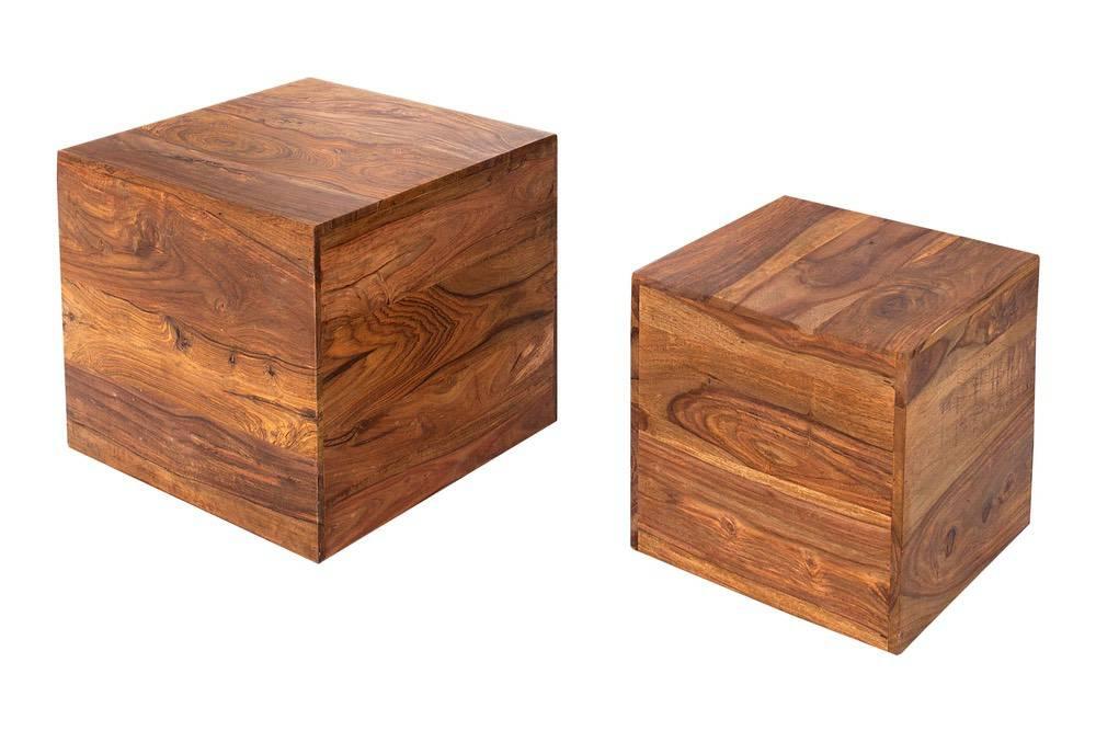 Stílusos asztalok Timber masszív fa kockák